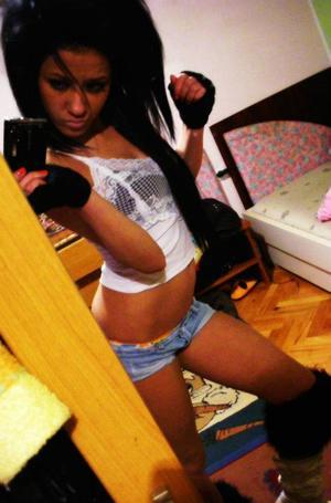 Danelle is looking for adult webcam chat