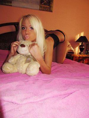 Thersa from Brinnon, Washington is interested in nsa sex with a nice, young man
