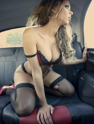Aura from Cumberland, Virginia is looking for adult webcam chat