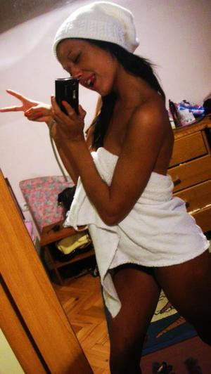 Latoyia is looking for adult webcam chat