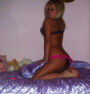 Cristi is looking for adult webcam chat