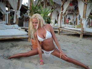 Lauran is looking for adult webcam chat