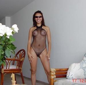 Meet local singles like Clelia who want to fuck tonight